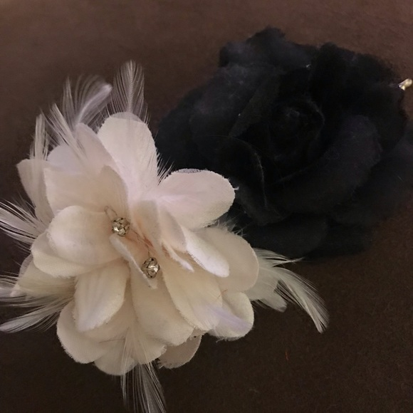 Accessories Black And White Flower Hair Clips Poshmark